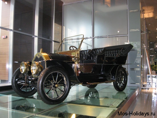 Форд Т в музее ретро автомобилей Автовилль