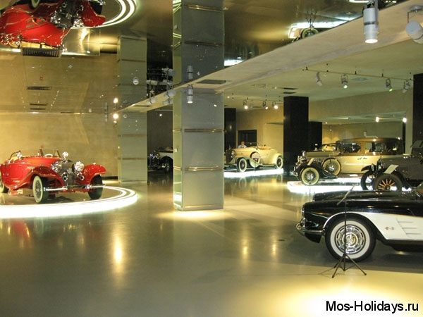 Ретро автомобили в музее Автовилль на Фрунзенской