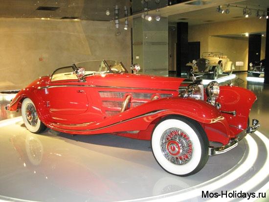 Мерседес Бенц 540К в музее ретро автомобилей Автовилль