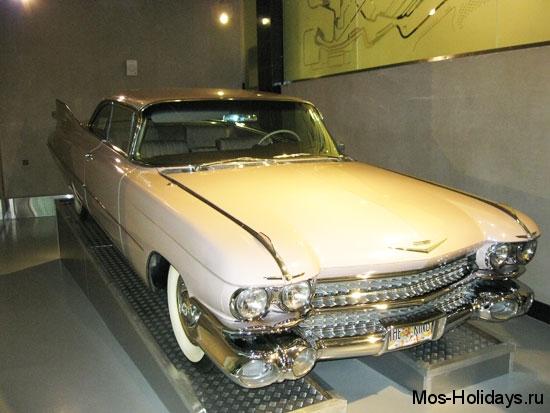 Кадиллак де Вилль в музее ретро автомобилей Автовилль