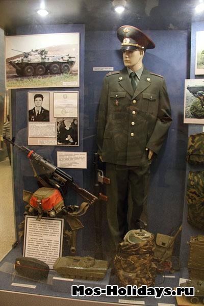 В музее вооружённых сил.