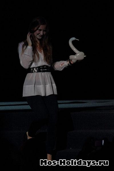 Девочка с лебедем, цирк Варьете