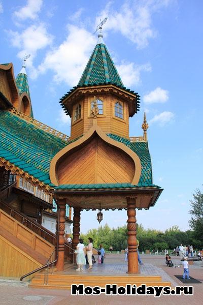 Вход в мужскую половину дворца Алексея Михайловича в Коломенском