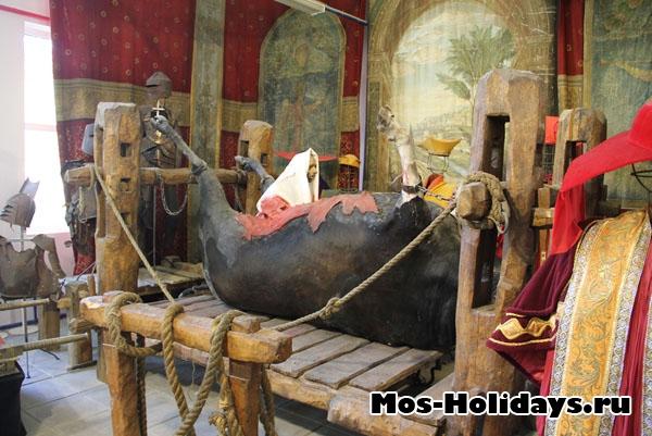 Декорация к фильму Яды, или Всемирная история отравлений, музей Мосфильма