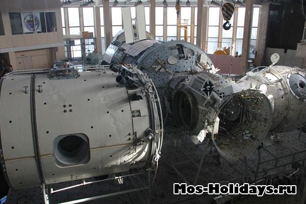 Зал для отработки выходя в открытый космос