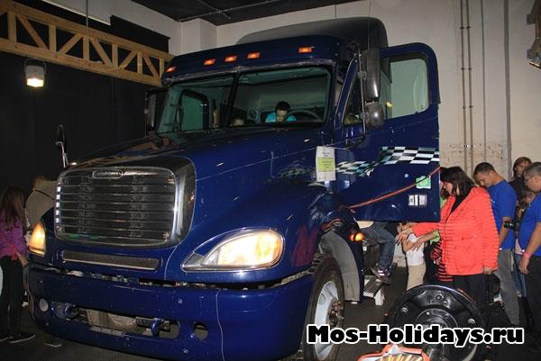 Кабина грузовика в Экспериментаниуме