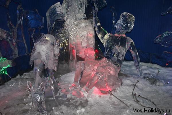 Конёк-горбунок на выставке ледяных скульптур
