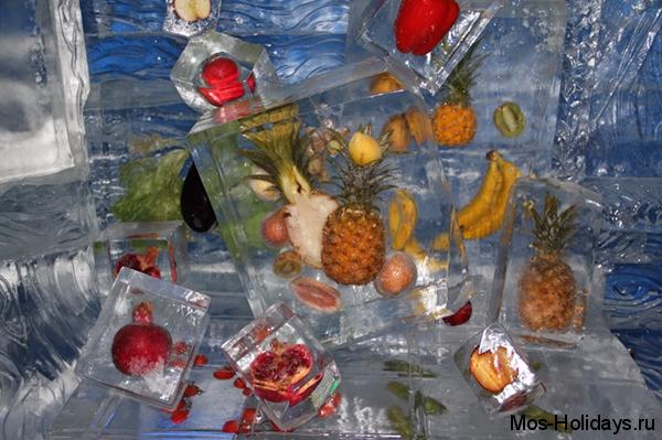 Замороженные фрукты, фрукты во льду