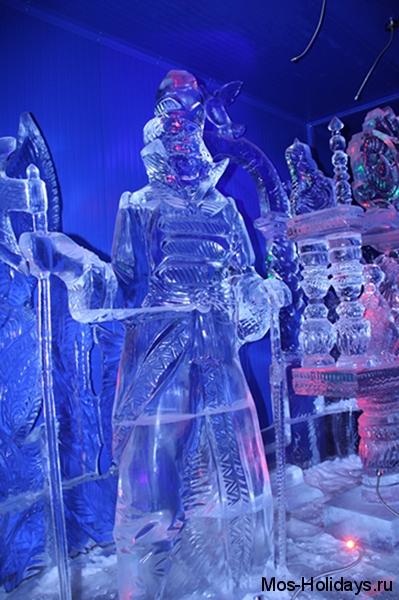 Выставка леяных скульптур на Красной Пресне