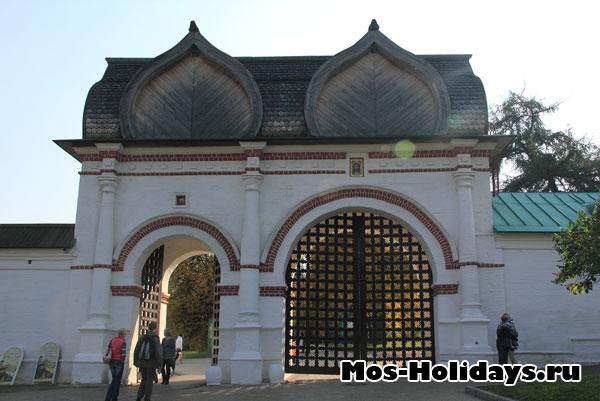 Спасские (задние) ворота
