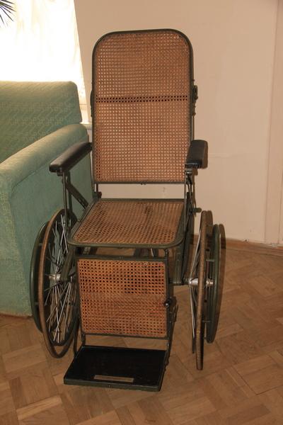 Инвалидная коляска, в которой перемещался Ленин