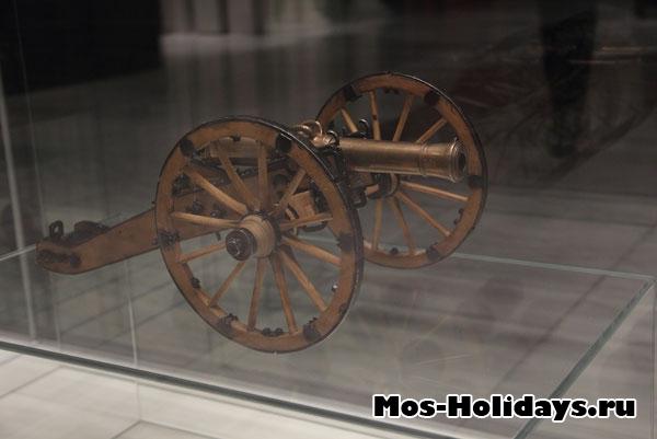 Миниатюрные пушки из музея Отечественной войны 1812 года