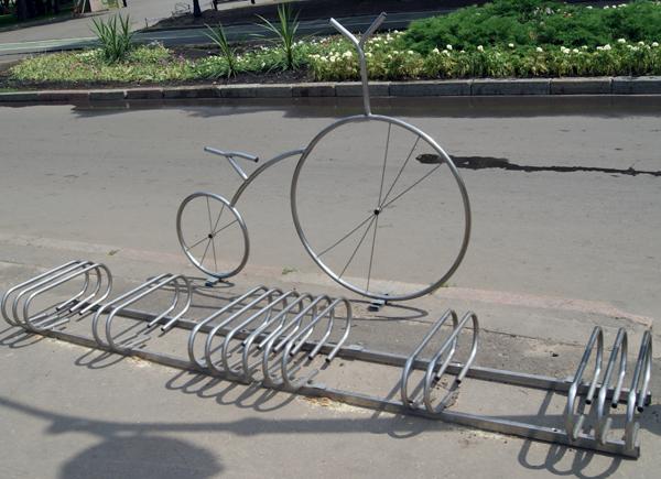 Велосипедная стоянк в Парке Горького