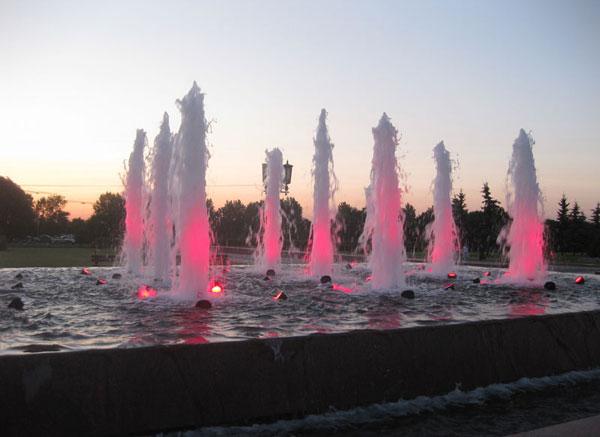 Фонтаны в Парке Победы в Москве