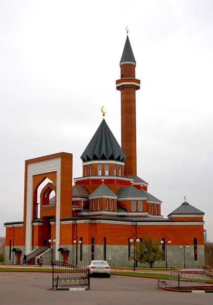 Мемориаланая мечеть в Парке Победы в Москве
