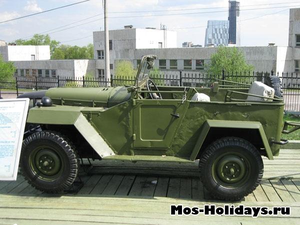 Автомобиль в музее военной техники в Парке Победы