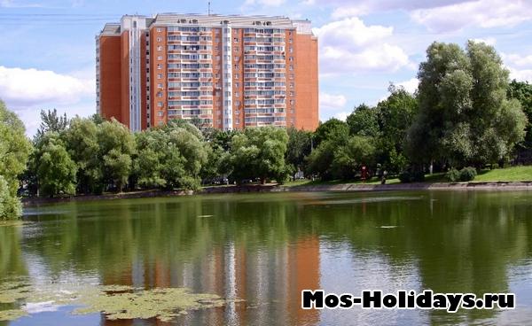 Пруд в парке Перово