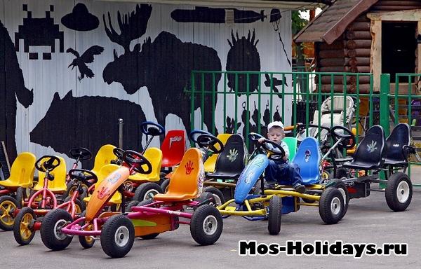 Аттракционы для детей в парке Перово