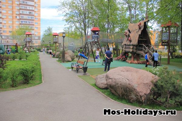 Детский парк в Поселке Совхоза им. Ленина