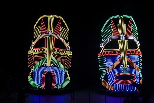 Индейские маски фестиваль круг света