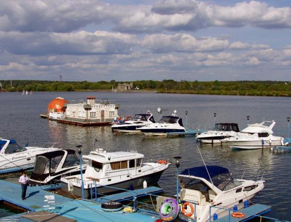 Природа на территории яхт-клуба