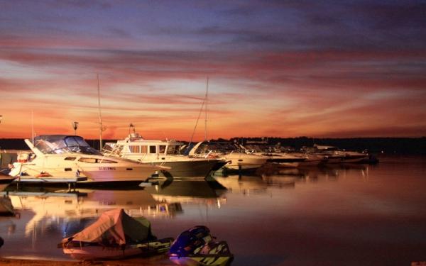 Яхт клуб на пироговском водохранилище