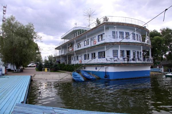 Гостиница на территории яхт-клуба