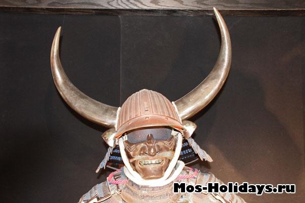 Самурайский доспех на выставке самураев в Москве