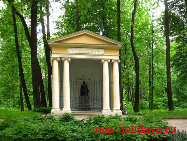 Храм Екатерины Великой в усадьбе Архангельское