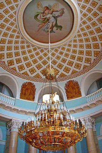 Люстра в большом дворце усадьбы Архнагельское