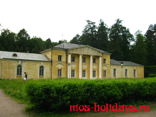 Малый дворец усадьбы Архангельское