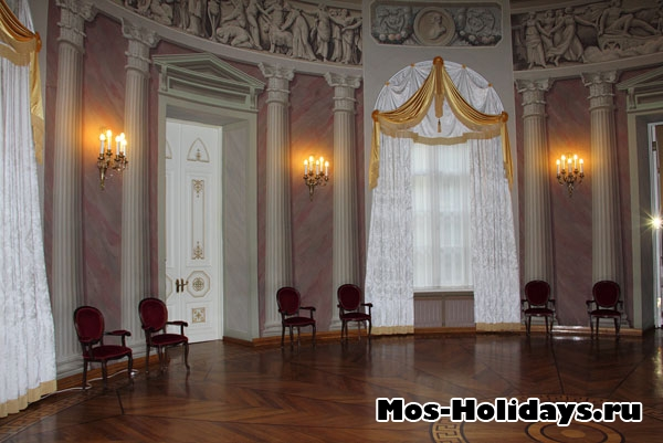 Круглый зал в усадьбе Дурасова