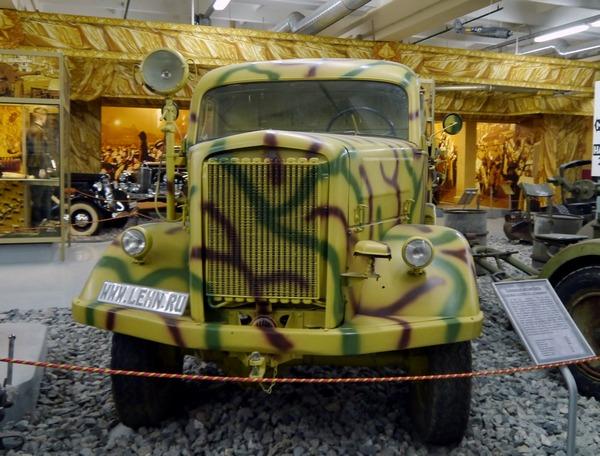"""На выставке """"Моторы войны"""""""