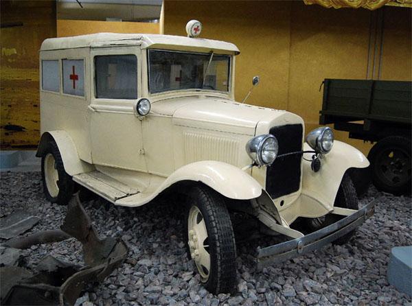 """Санитарный автомобиль на выставке """"Моторы войны"""""""