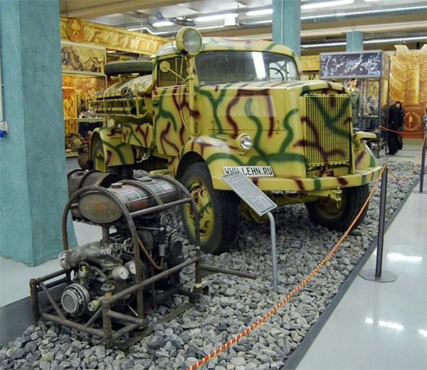 """Пожарная машина Opel Blitz 3,6-6700A TLF 15 для обслуживания аэродромов на выставке """"Моторы войны"""""""