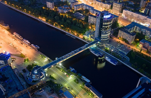 Мост «Багратион»: прогулка над Москвой-рекой
