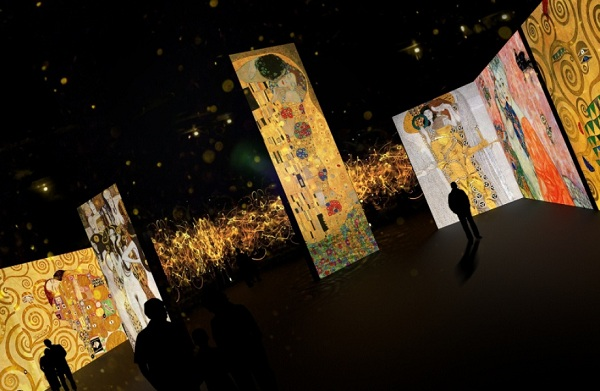 Мультимедийная выставка картин «Велики модернисты» в центре «Artplay»