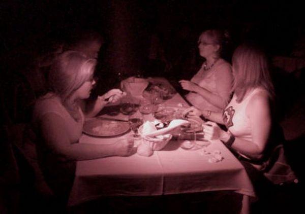 restorant-v-temnote-10mest