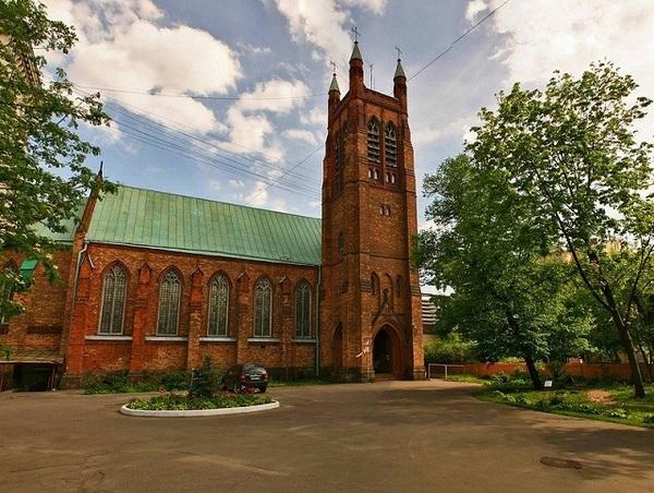 Картинки по запросу Англиканская церковь Святого Андрея москва