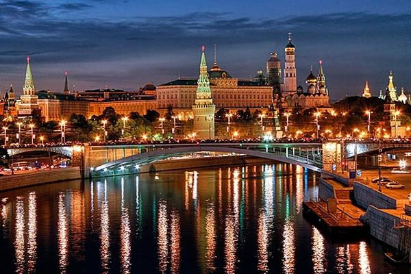 nocnoye_pyteshestviye_po_moscve_reke_5