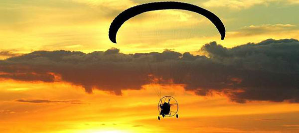 Полет на мотопараплане с инструктором до 20 минут от клуба Fair Wind со скидкой