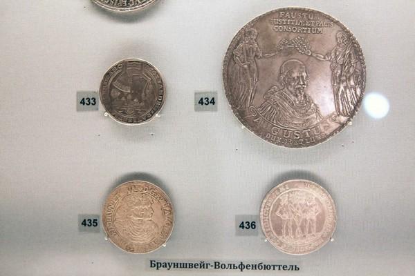 muzei_mezhdunarodnogo_numezmaticheskogo_kluba5