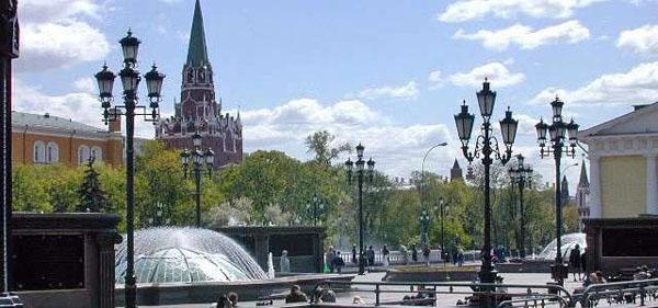 Обзорная экскурсия по Москве «Город контрастов» для одного, двоих или четверых
