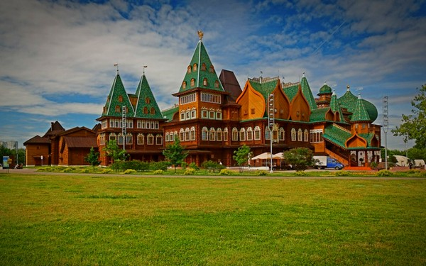 Автобусная экскурсия «Дворец царя Алексея Михайловича в Коломенском» от компании «Лавка экскурсий»