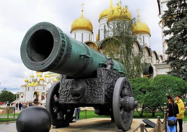 Пешеходная экскурсия «Сердце Москвы – экскурсия по территории Кремля» от компании «Любимый город»