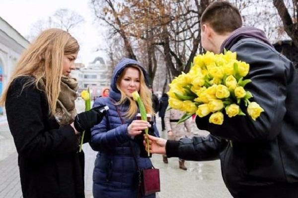 8 марта гости ресторана ласточка отпраздновали весенний женский праздник
