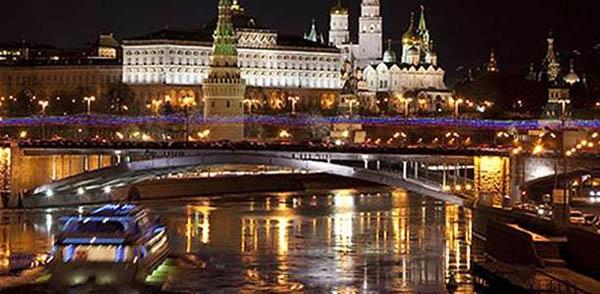 Праздник Победы на Москве-реке – 3-х часовая теплоходная прогулка на теплоходе «Санта Мария», с праздничным салютом, ужином и караоке от компании «Дельта»