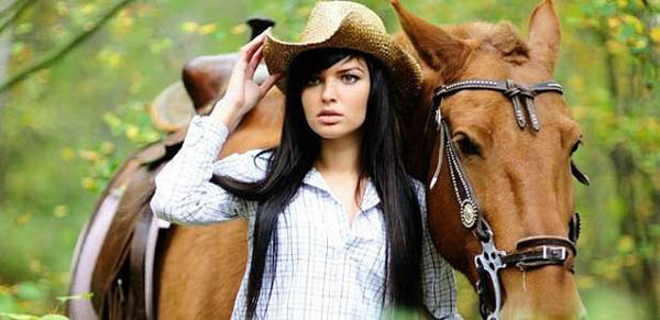 Прогулки на лошадях в будни и выходные в частном конном клубе «Усадьба» в Марфино со скидкой до 81%