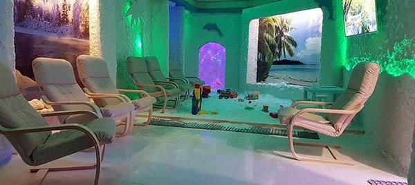 Абонемент или разовое посещение соляной пещеры для взрослого или ребенка от семейного центра «Зима-Лето»