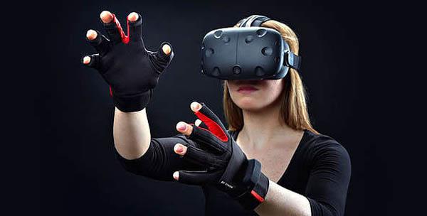 До 2 часов игры в шлеме HTC Vive для одного или групповое посещение клуба виртуальной реальности Vrvoid
